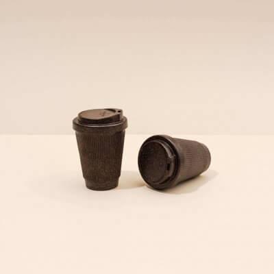 Kaffeeform zwei Becher Farbe dunkelbraun