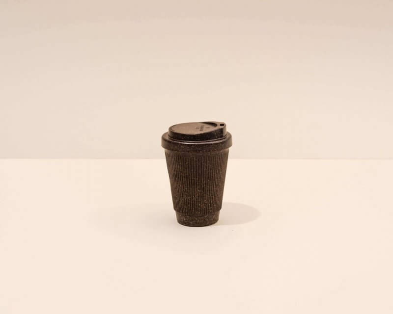 Kaffeeform Becher vom weiten Farbe dunkelbraun