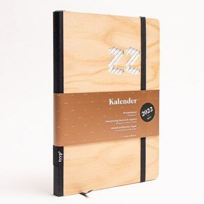 Tyyp Kalender 2022 Design in Holz