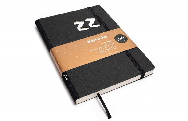 Tyyp Kalender 2022 Design in schwarz