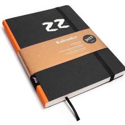 Tyyp Kalender 2022 Design in schwarz orange