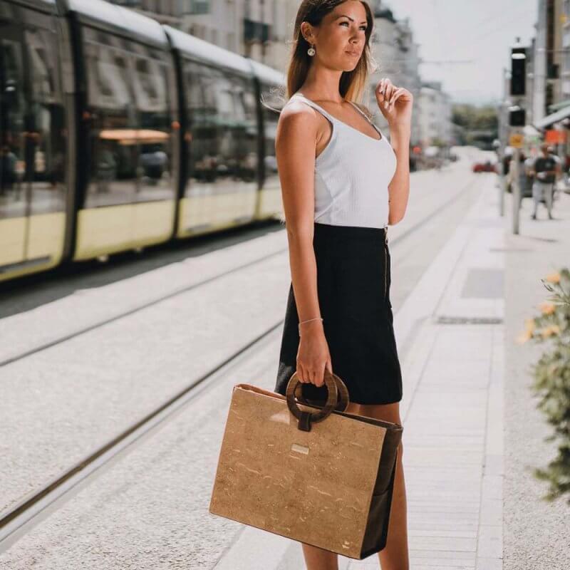 Bag Affair- business Handtasche aus Kork mit Model