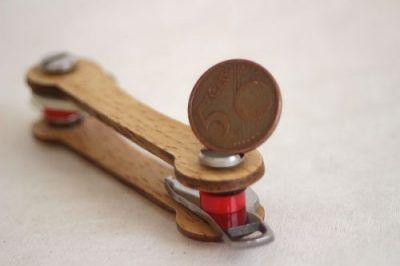 Keycabin nachhaltige Schluesselanhänger Farbe eiche muenze