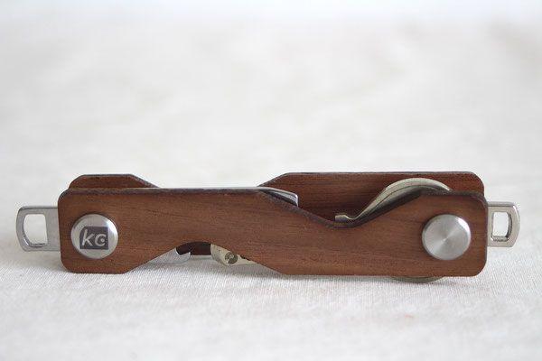 Keycabin - Schlüsseltui Farbe Nussbaum geschlossen