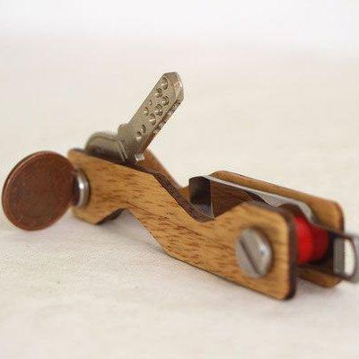 Keycabin Schlüsselmanager Eiche seitlich