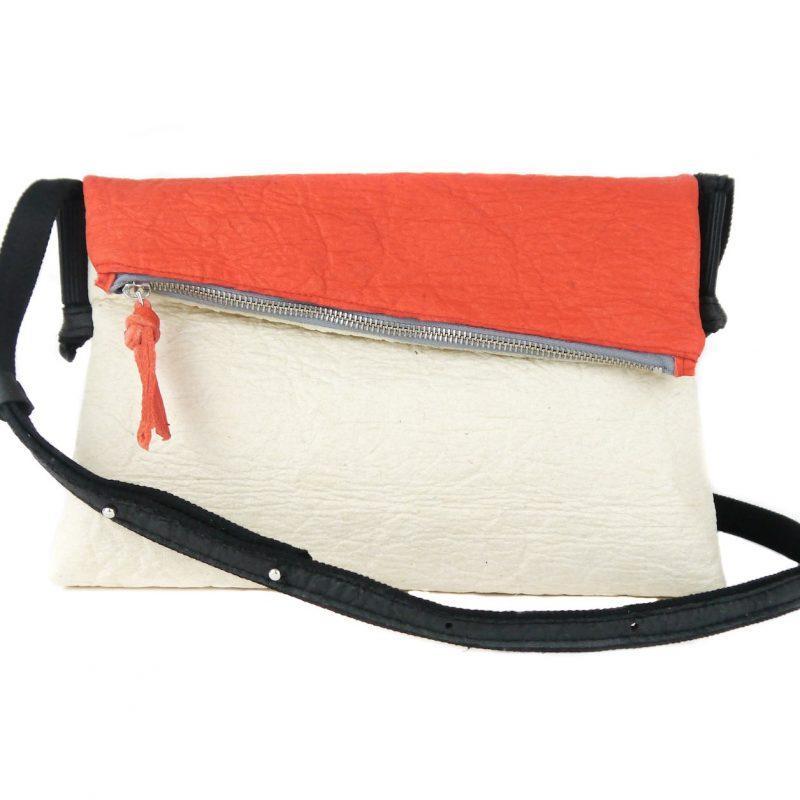 vegane Handtasche rot weiß von vorne